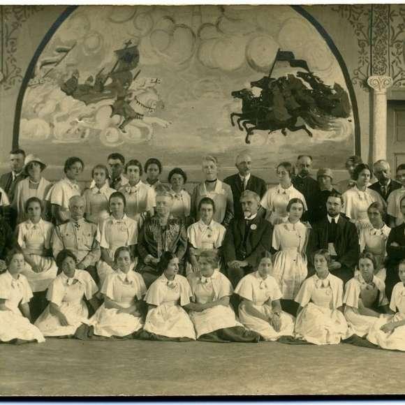 История детской моды в России: европейские традиции и «особый путь»