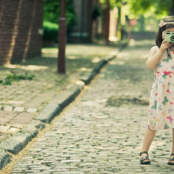 Блеск на пути: какие световозвращатели должны быть у детской одежды?