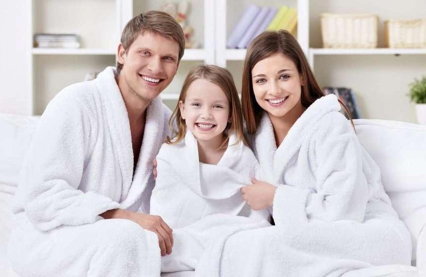 Домашняя одежда для девочки: нужен ли халат?