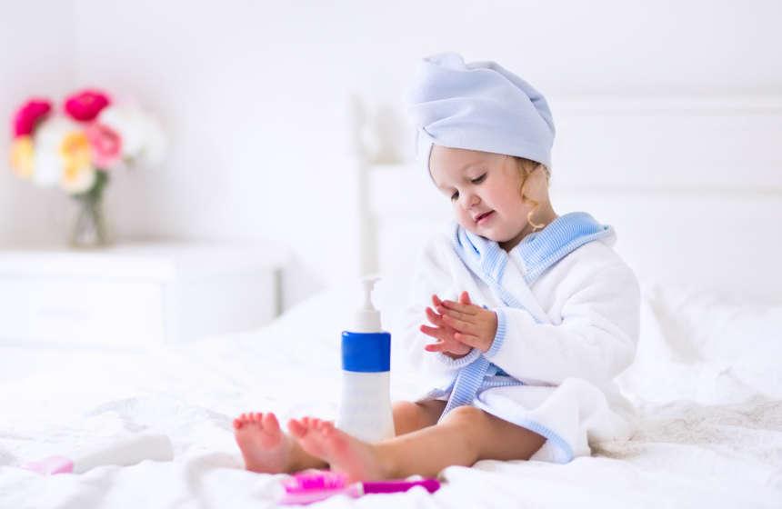 Как выбрать халат по росту и возрасту ребенка