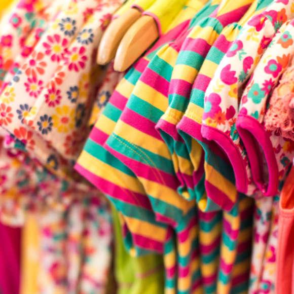 На что обратить внимание при выборе детской одежды из трикотажа?